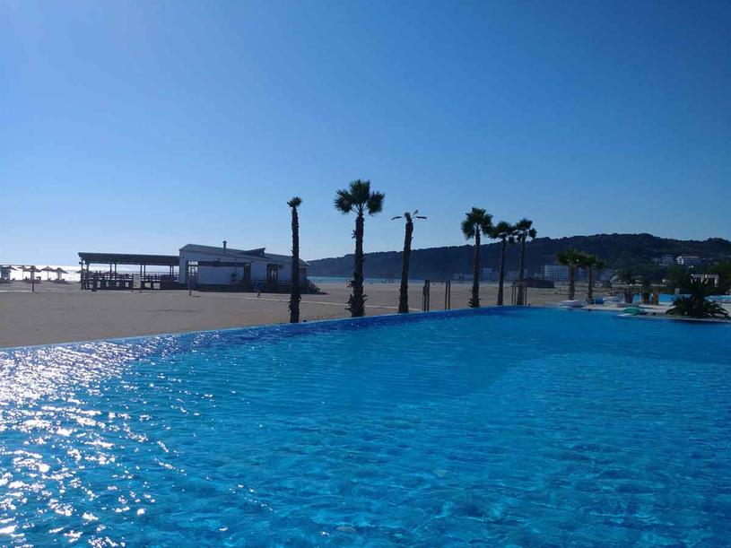 Ulcinj to piękne piaszczyste plaże i 260 dni słonecznych w roku /Styl.pl