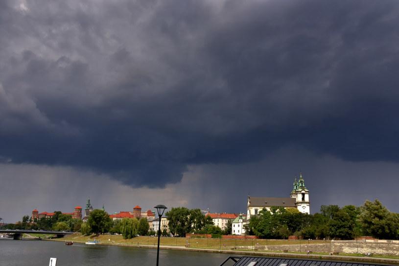 Ulewa w Krakowie, zdj. ilustracyjne /Albin Marciniak /East News
