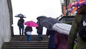Ulewne deszcze przez cały tydzień. IMGW wydał ostrzeżenie
