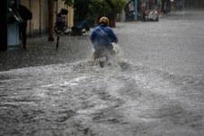 Ulewy w Małopolsce. Podtopienia i zalane drogi
