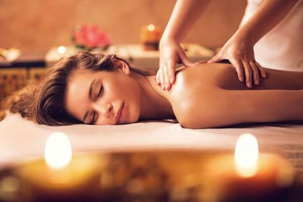 ulga w bólu masaż /© Photogenica