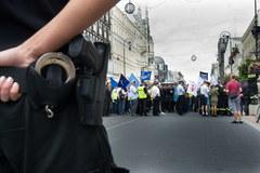 Ulicami Łodzi przeszła manifestacja funkcjonariuszy