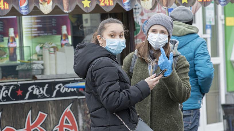 Ulice Kijowa w marcu br. Ukraińcy chcą już wrócić do Polski do pracy /123RF/PICSEL