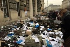 Ulice Lwowa jak pobojowisko