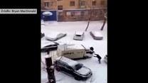 Ulice śliskie jak lodowisko: Zderzenia sunących samochodów
