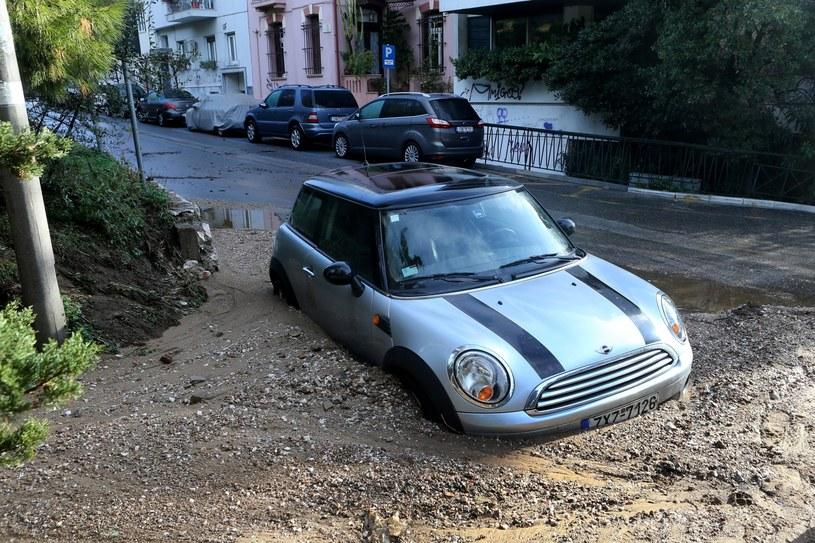 Ulice w Grecji zamieniły się w potoki /PAP/EPA