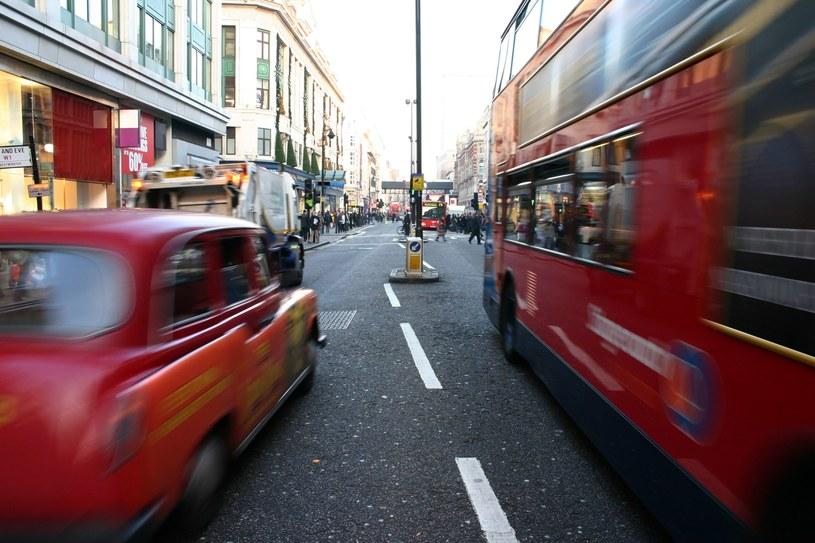 Ulotki były rozdawane w centrum Londynu /123RF/PICSEL