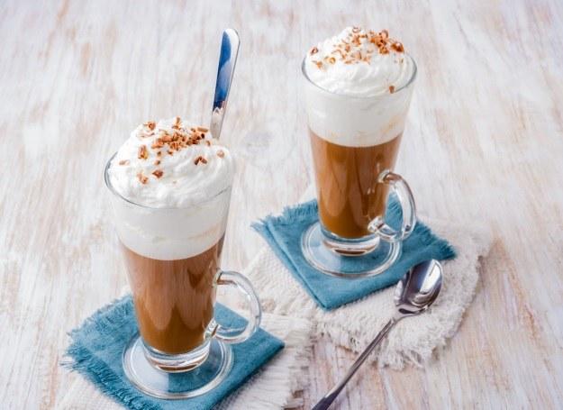 Ulubioną kawę podać możesz na wiele pysznych sposobów /123RF/PICSEL
