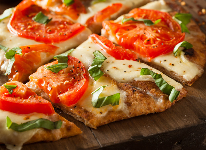 Umami - tajemniczy smak, który znajdziesz w serze i pomidorach /123RF/PICSEL