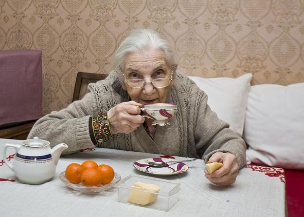 Umowa dożywocia oznacza, że starsza osoba musi zapłacić podatek /©123RF/PICSEL