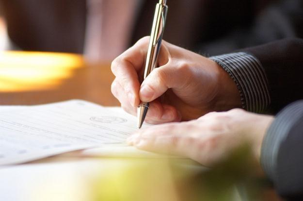 Umowa zlecenia jest to umowa cywilnoprawna uregulowana w kodeksie cywilnym /© Panthermedia