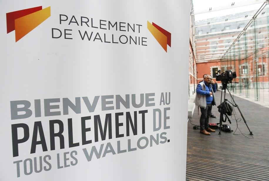 Umowę o wolnym handlu między Unią Europejską a Kanadą blokuje Walonia /JULIEN WARNAND /PAP/EPA