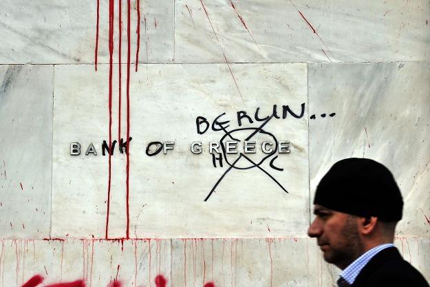 Unia potępiła akty przemocy, do których doszło w nocy w Atenach /AFP
