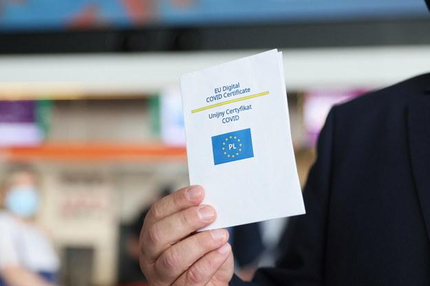 Unijny Certyfikat Covid wchodzi w życie od 1 lipca / Leszek Szymański    /PAP