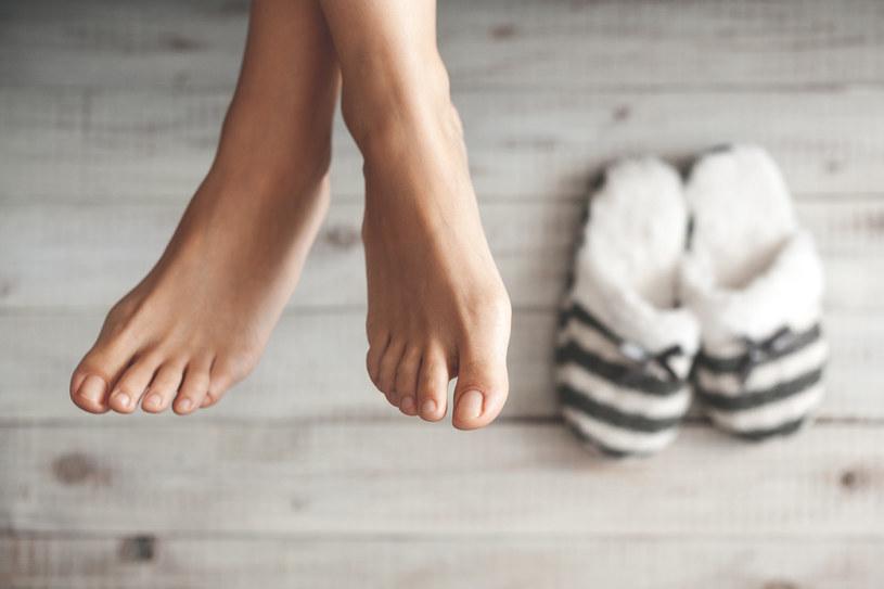 Unikaj długiego moczenia stóp /123RF/PICSEL