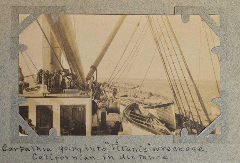 Unikatowe zdjęcia akcji ratunkowej Titanica /RR Auction /East News