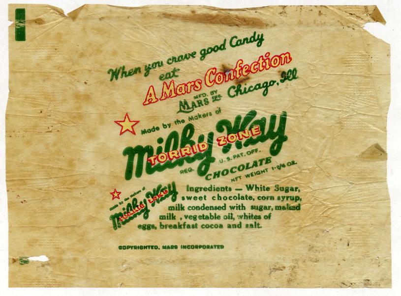 """Unikatowe, ze względu na wykonanie z papieru, drugowojenne opakowanie po batoniku """"Milky Way"""", masowo konsumowanym w US Army /Odkrywca"""