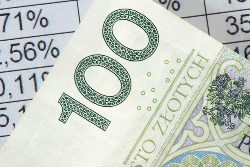 UOKiK apeluje, aby banki uczciwie obniżały oprocentowanie kredytów /123RF/PICSEL