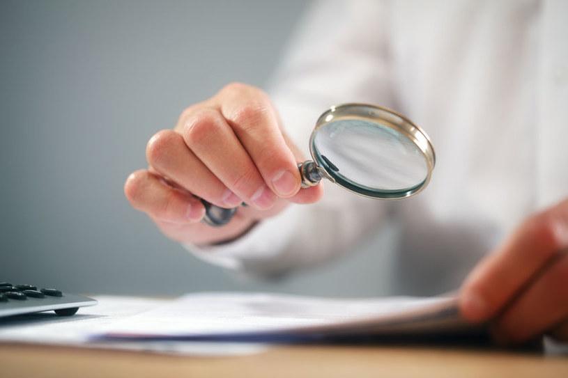 UOKiK nakłada coraz więcej kar na firmy naruszające zbiorowe interesy konsumentów /123RF/PICSEL