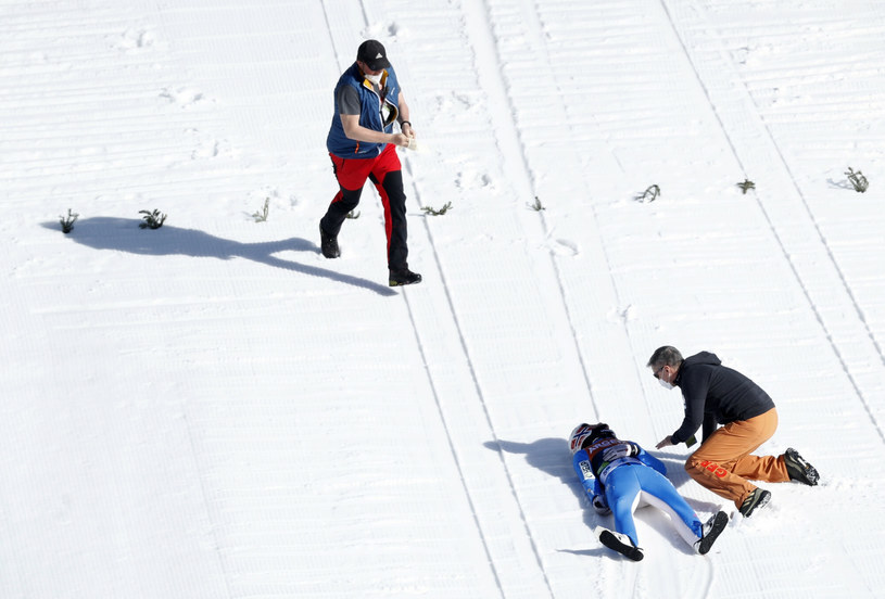 Upadek Daniela-Andre Tande na skoczni w Planicy /AP/Associated Press/East News /East News