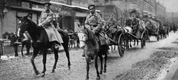 Rosyjski konwój na ulicach Przemyśla