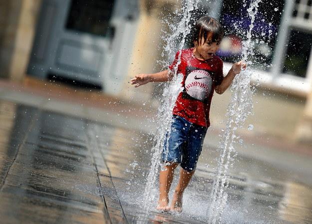 Upał prędko nie ustąpi /SUSANN PRAUTSCH /PAP/EPA