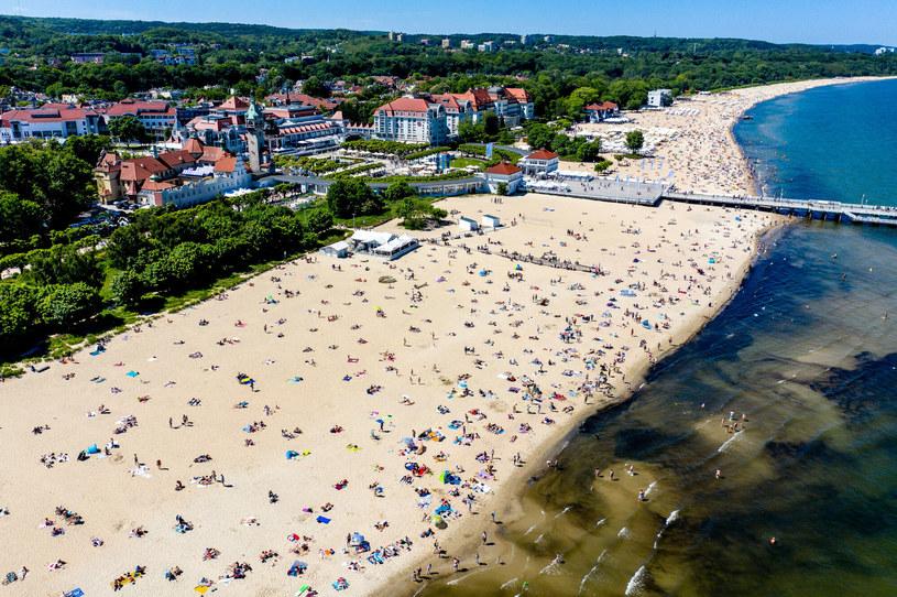 Upalnie będzie także nad morzem; na zdjęciu plaża w Sopocie /Przemek Świderski /Reporter