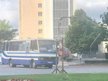 Uprowadził autobus i przetrzymuje zakładników. Dramatyczne doniesienia z Ukrainy