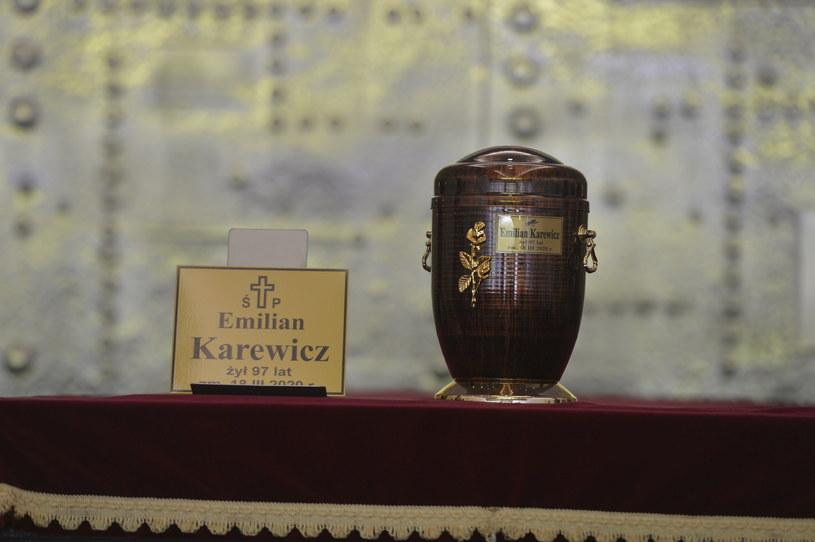 Urna z prochami Emila Karewicza /AKPA