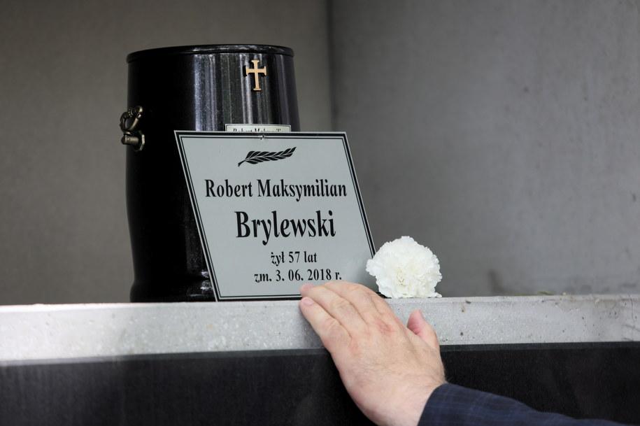 Urna z prochami Roberta Brylewskiego / Leszek Szymański    /PAP