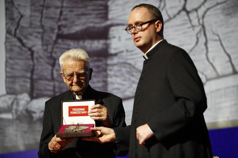 Uroczystość wręczenia nagrody Tygodnika Powszechnego , statuetki św. Jerzego księdzu Janowi Kaczkowskiemu /Jakub Ociepa /