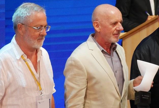 Uroczystość wręczenia prof. Wojciechowi Kucharzowi (po prawej) Nagrody im. Stefana Banacha. Po lewej prof. Jacek Bochnak /Grzegorz Jasiński /RMF FM
