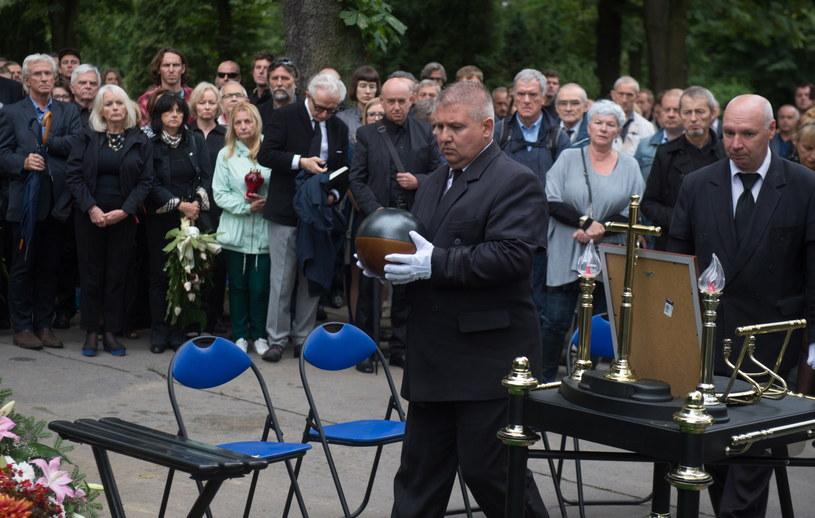 Uroczystości pogrzebowe Krzysztofa Ptaka w Alei Zasłużonych na Cmentarzu Komunalnym Doły w Łodzi /Grzegorz Michałowski /PAP
