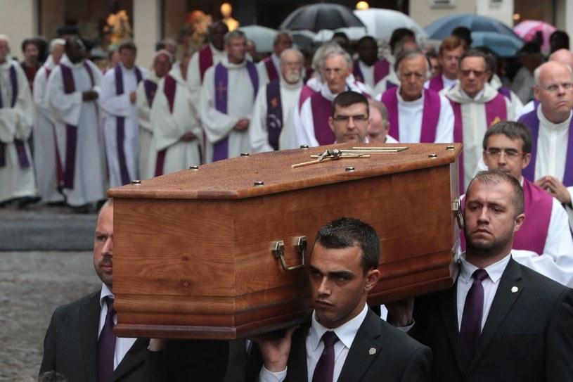 Uroczystości pogrzebowe księdza Jacquesa Hamela /AFP /East News