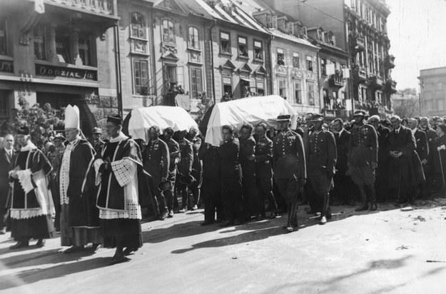 Uroczystości pogrzebowe w Cieszynie Franciszka Żwirki i Stanisława Wigury /Z archiwum Narodowego Archiwum Cyfrowego
