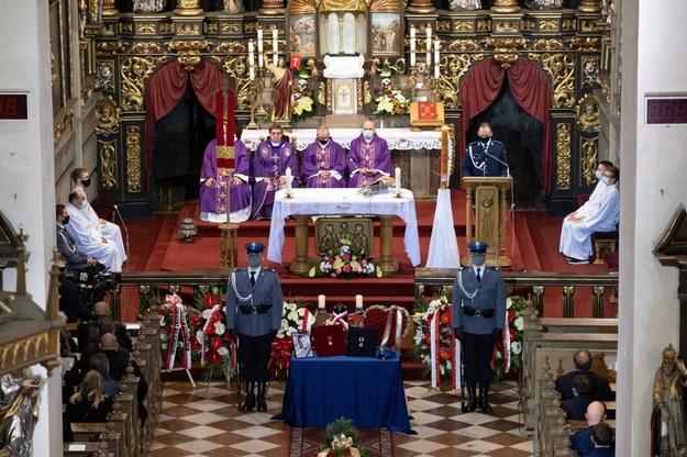 Uroczystości pogrzebowe w kościele pw. Wniebowzięcia Najświętszej Maryi Panny w Raciborzu /Hanna Bardo /PAP