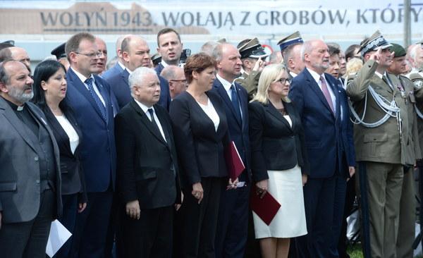 """Prezes IPN Jarosław Szarek, mówiąc o rzezi wołyńskiej, podkreślił, że złamano wówczas """"ten nasz odwieczny kodeks rycerski, że człowiek bezbronny, że dziecko, że kobieta nie mogą uczestniczyć w walce""""."""