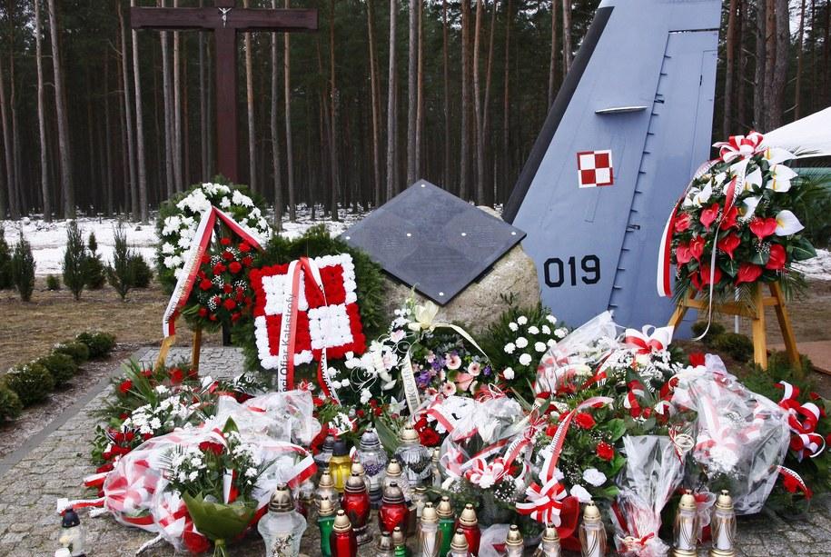 Uroczystości związane z 3. rocznicą katastrofy samolotu CASA /Jerzy Undro /PAP