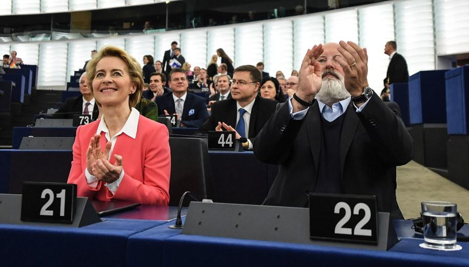 Ursula von der Leyen i Frans Timmermans w Parlamencie Europejskim w Strasburgu /Patrick Seeger  /PAP/EPA