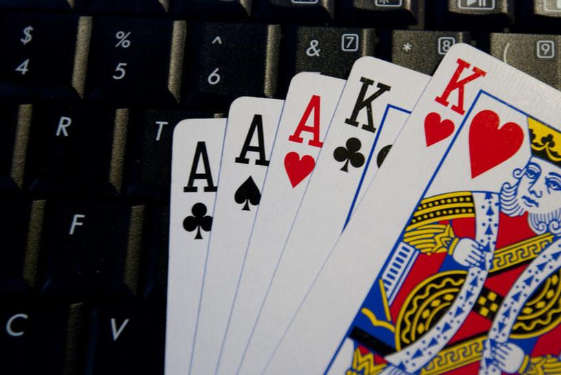 Uruchomienie na zainfekowanym komputerze aplikacji PokerStars lub FullTilt Poker powoduje aktywację zagrożenia, które rejestruje zrzuty ekranu z gry /123RF/PICSEL