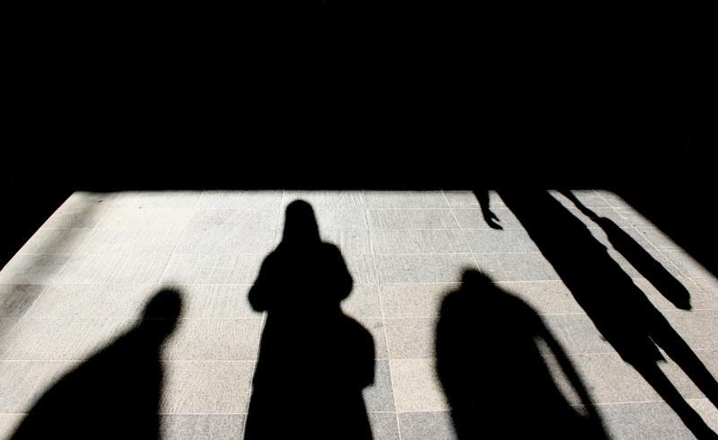 Urząd pracy pomoże znaleźć pracę... na czarno? /© Panthermedia