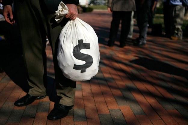 Urzędnicy nie mogli odmówić policzenia 7000 monet przyniesionych przez podatnika /AFP