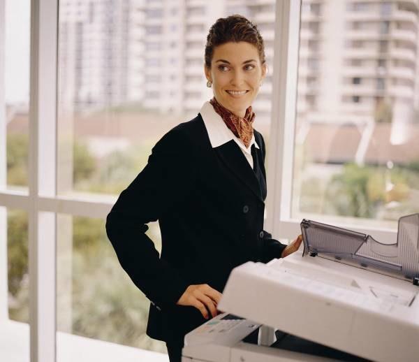 Urzędnicy szkoleni są, jak obsłużyć klienta, by ten był zadowolony /INTERIA.PL