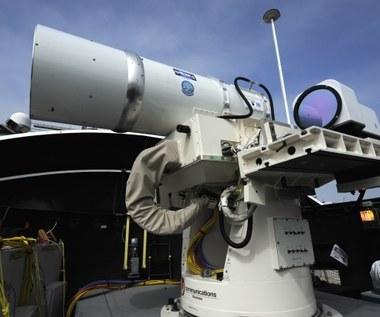 US Navy rozpoczyna erę lasera