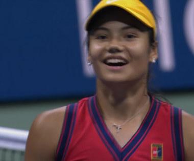 US Open. Raducanu pokonała Sakkari i zagra w finale - skrót. WIDEO
