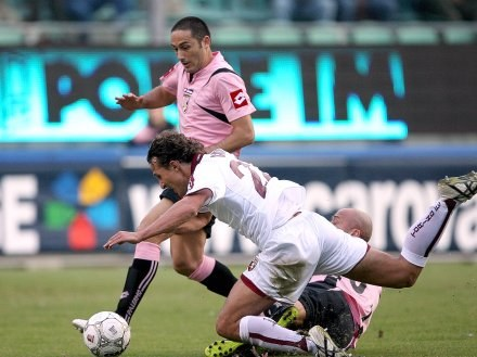 US Palermo - AC Torino 3:0. Indywidualna akcja Davida Di Michele /AFP