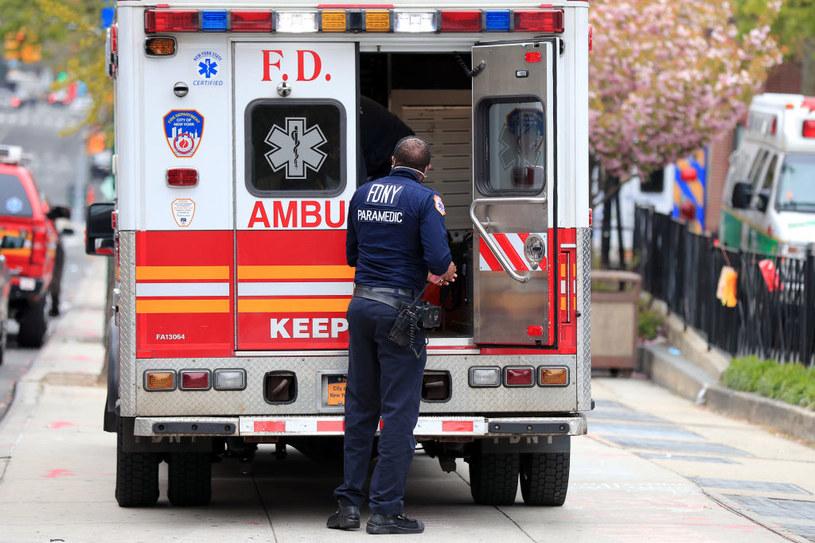 USA: 1435 nowych zgonów na COVID-19; drugi dzień z rzędu mniej niż dwa tysiące ofiar /Mike Lawrie /Getty Images