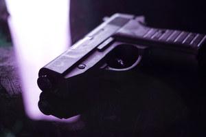 USA: Dwulatek przypadkowo zastrzelił ojca. Bawił się bronią