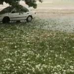 USA: Grad wielkości piłek tenisowych uszkodził samochody