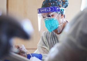 USA. Liczba pacjentów z Covid-19 osiągnęła poziom sprzed roku i stale rośnie